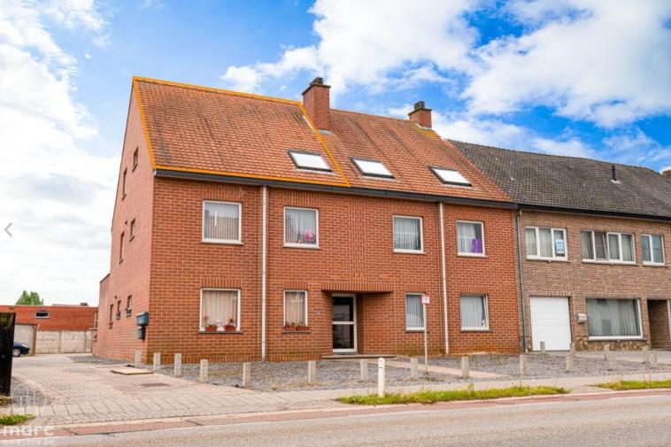 Te huur Gerenoveerde studio van 68 m² met balkon en garagebox