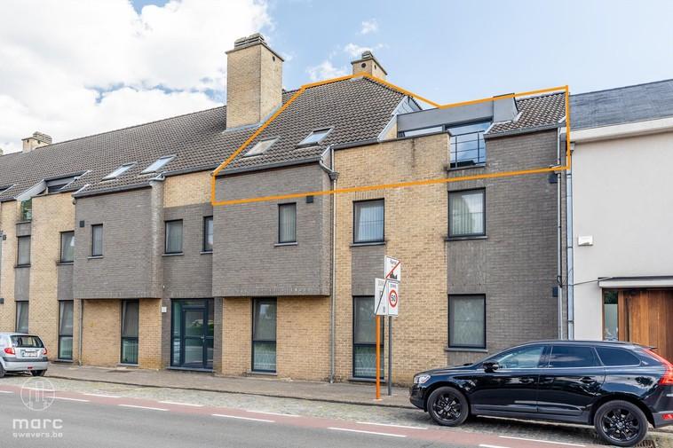 Te koop Koersel-centrum : appartement [92m²] met dubbel terras, autostaanplaats en kelderberging (4,5m2)