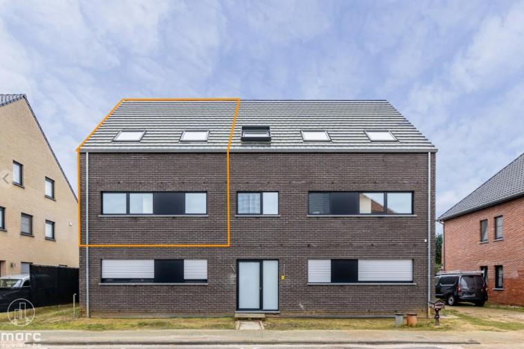 Te huur Energiezuinige nieuwbouwduplex met drie slaapkamers en terras van 42 m²