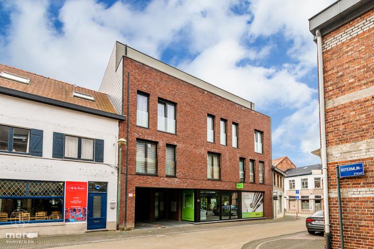 Te huur Penthouse van 99,70 m² met twee(!) grote terrassen in hartje Beringen
